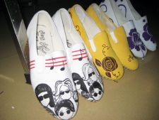 15_Hand-painted-canvas-shoes